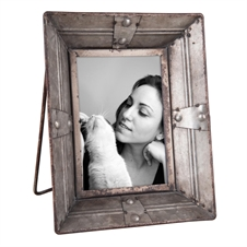 4X6 Riveted Photo Frame | Plum & Post