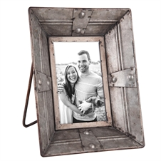 5X7 Riveted Photo Frame | Plum & Post